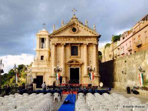 Piazza del Carmine, in attesa del concerto
