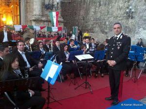 """Il Mar. Ca. M° Danilo Di Silvestro, direttore ospite, e i ragazzi dell'Orchestra di fiati """"Città di Bagnara Calabra"""""""