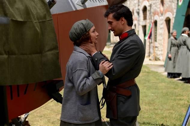 Eugenio Franceschini (Mario) e Valentina Corti (Agnese)